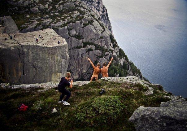 verdens fineste dame naking i naturen