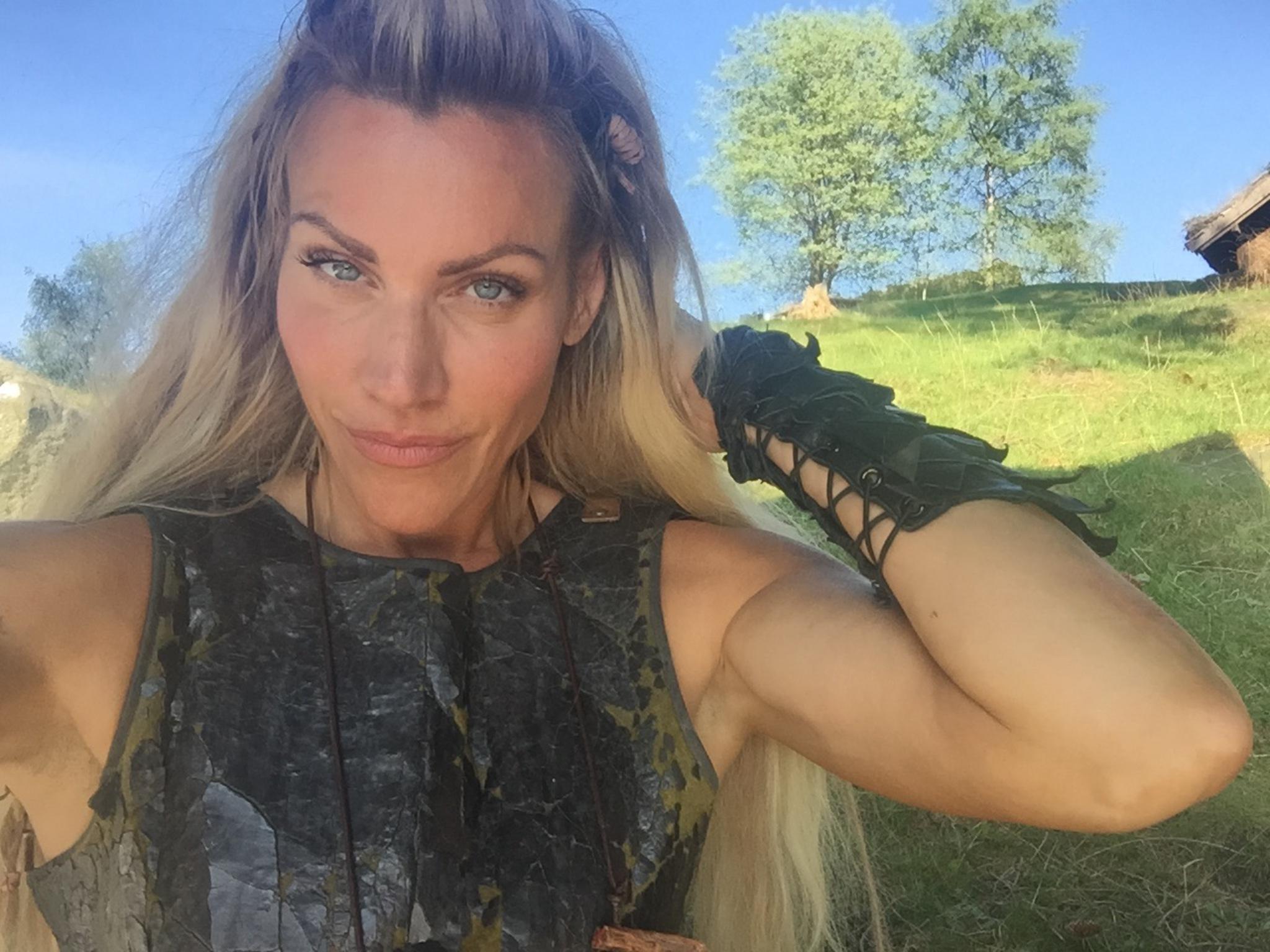 Silje Torp som Frøya: – Jeg liker å svette meg inn i ...  Silje Torp som ...