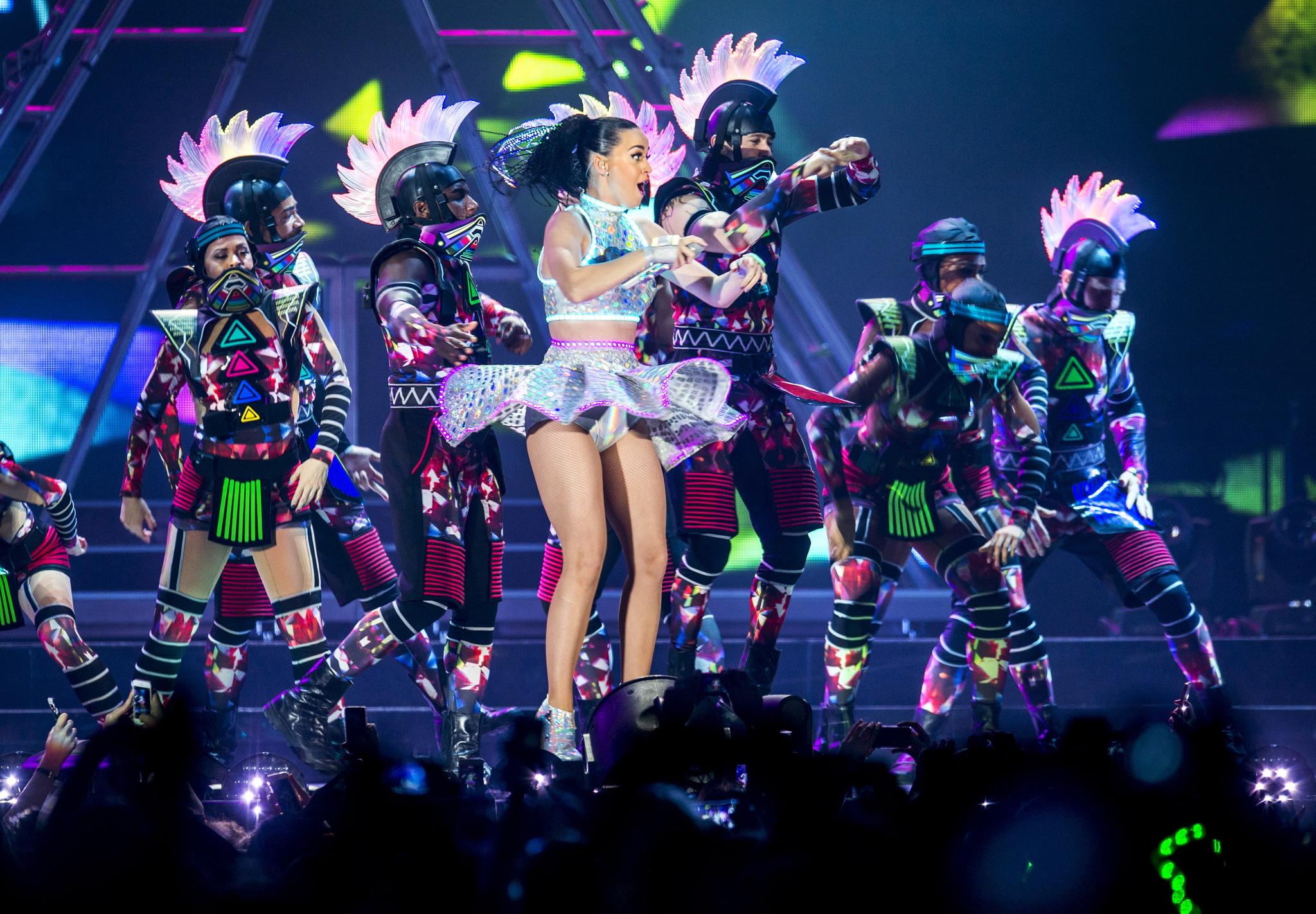 Konsert: Katy Perry – «Prismatic World Tour» – VG