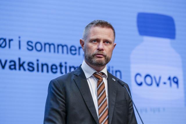 Helseminister Bent Høie på regjeringens pressekonferanse onsdag ettermiddag.