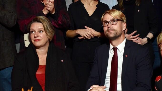 FORTSATT GODT BETALT: Ordfører Marte Mjøs Persen og byrådsleder Roger Valhammer vil få litt lavere lønn hvis de fortsetter i vervene sine.