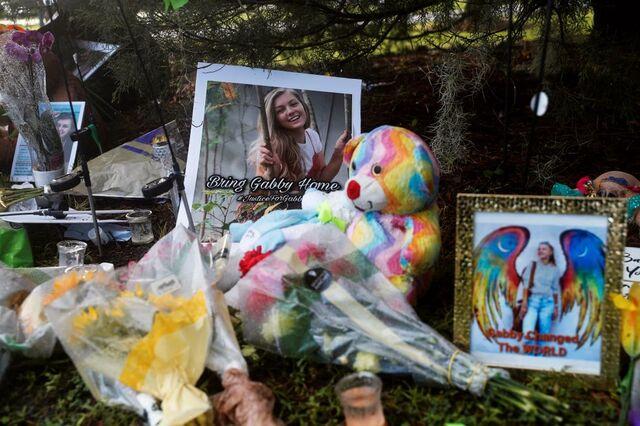 Amerikanske Gabby Petito reiste USA rundt i sin ombygde varebil sammen med forloveden Brian Laundrie. Hun ble i september funnet død i nasjonalparken Bridger-Teton i delstaten Wyoming.
