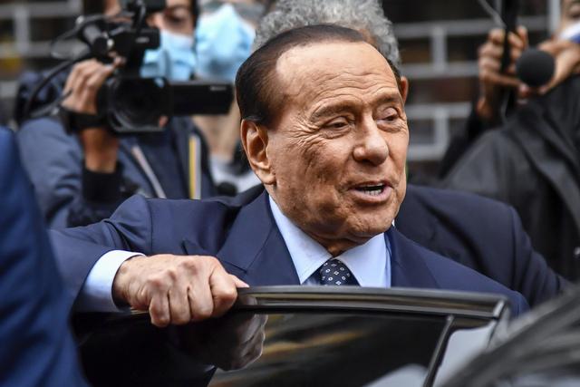 De såkalte «Rubygate»-rettssakene omhandlet også påståtte betalinger fra Silvio Berlusconi til folk som deltok på festene i bytte mot deres taushet. Arkivfoto: Claudio Furlan/LaPresse / AP / NTB