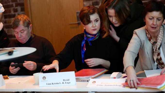 Byråd Linn-Kristin Engø redegjør for kommunens håndtering av Vigilo-skandalen i en offentlig høring i dag.