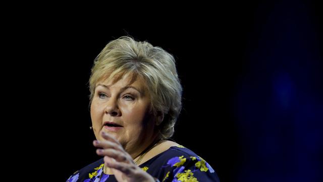 Statsminister Erna Solberg på talerstolen under Høyre sitt landsmøte på Gardermoen.