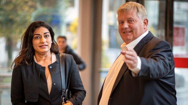 Daglig leder Shabana Rehman i stiftelsen Født Fri og stiftelsens advokat Harald Strandenæs.