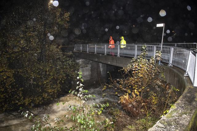 Redningsaksjonen for å finne tre personer ved Tokagjelet i Kvam trappes ned mandag kveld. Foto: Marit Hommedal / NTB