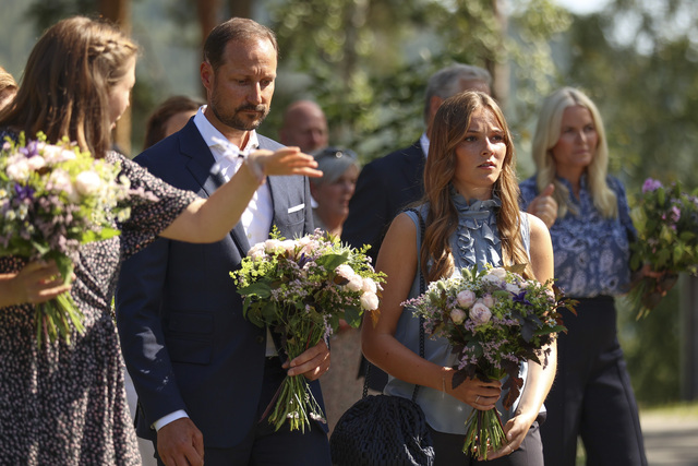 Kronprins Håkon og prinsesse Ingrid Alexandra under minnemarkeringen på Utøya, 10 år etter terrorangrepet 22. juli 2011. F.-