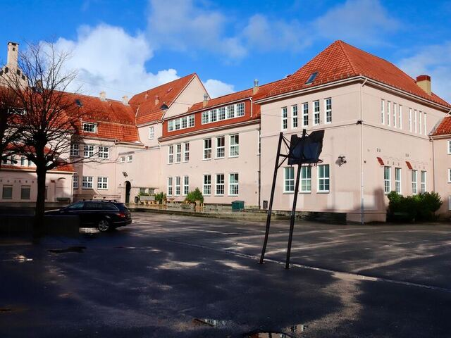 Rothaugen skole.