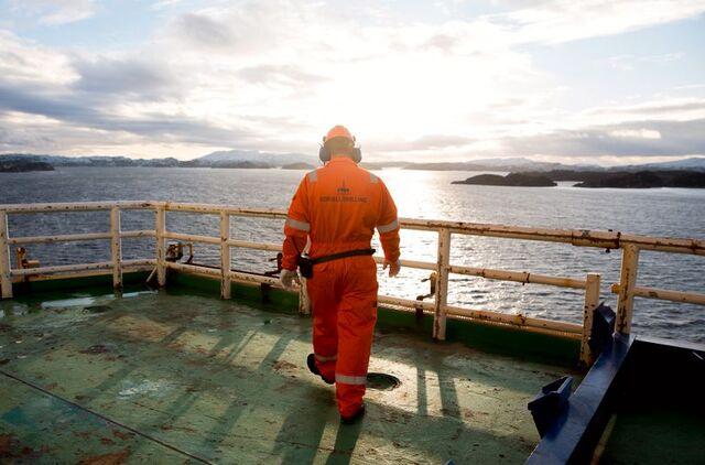 En arbeider om bord på Odfjell-riggen Deepsea Atlantic.
