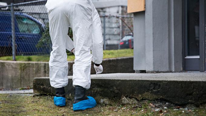 ÅSTED: Politiet på plass på et av fjorårets flere drapsåsteder i Bergen.