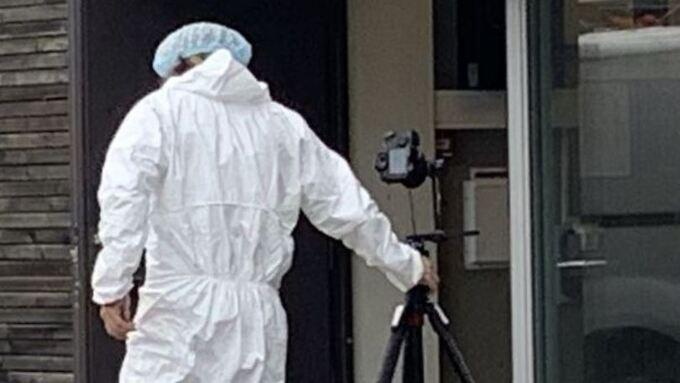 Politiet hentet inn kriminalteknisk hjelp fra Haugesund etter funnet av den døde mannen på Stord i fjor høst.