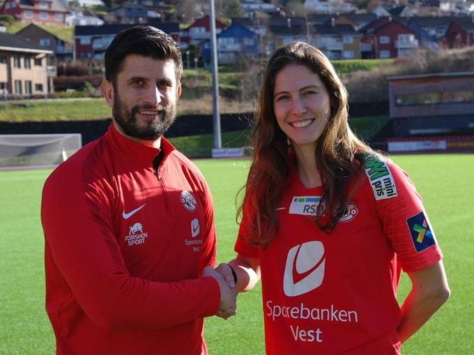 NY SPILLER: Arna-Bjørnars trener Remi Natvik er godt fornøyd med nysigneringen Pia Rijsdijk.
