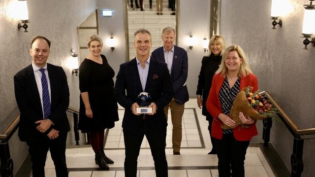 Framo vant Bergen Næringsråds bærekraftpris for 2020. Fra venstre: Geir Helgesen, ordfører Marte Mjøs Persen, Martijn Bergink, juryleder Nils Magne Fjereide, Marit Warncke i Bergens Næringsråd og Anne F. Isachsen.
