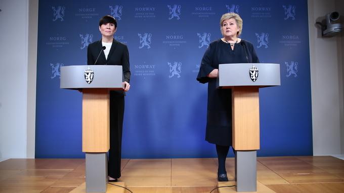Statsminister Erna Solberg (H) og utenriksminister Ine Eriksen Søreide (H) holder pressekonferanse om overleveringen av spiondømte Frode Berg i regjeringens representasjonsanlegg i Oslo fredag kveld.
