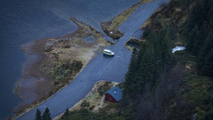 DOBBELTDRAP: Mandag 13. januar ble en kvinne og en mann funnet døde under en presenning ved Osavatnet.