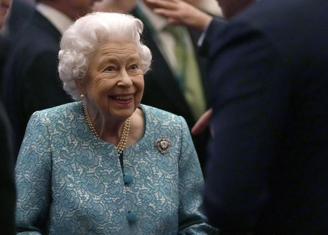 Dronning Elizabeth må droppe klimatoppmøtet i Glasgow. Foto: AP / NTB