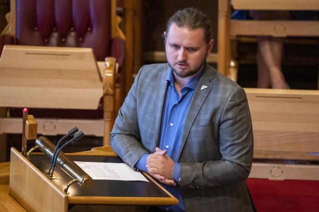 Freddy André Øvstegård (SV) foreslår hasteendringer i fraværsreglene. Foto: Terje Pedersen / NTB