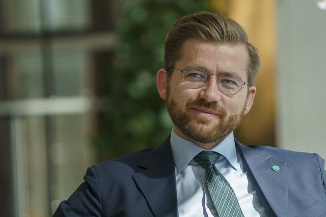 Norges klima- og miljøvernminister, Sveinung Rotevatn (V), har fått en pådriverrolle sammen med Singapores miljøminister i forkant av klimatoppmøtet i Glasgow til høsten. Foto: Torstein Bøe / NTB