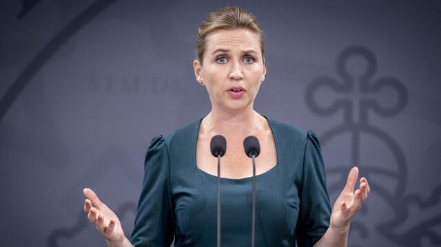 Danmarks statsminister Mette Frederiksen har annonsert nye koronainnstramninger gjeldende fra lørdag.