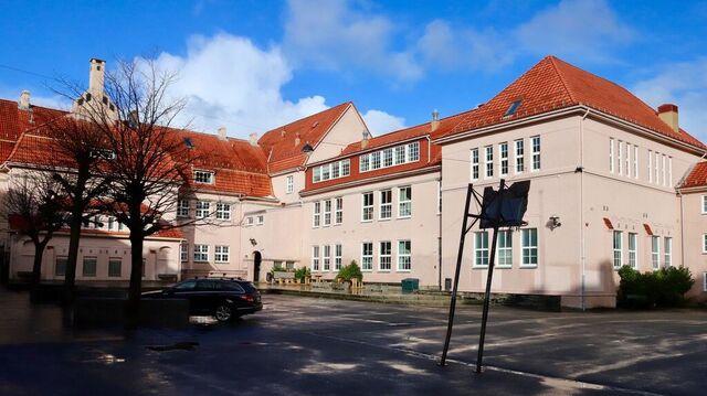 Rothaugen skole i Bergenhus bydel.