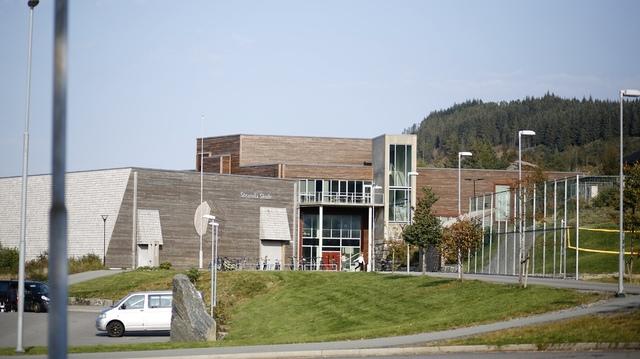 Over 100 ved skolen er i karantene som følge av covid-19.