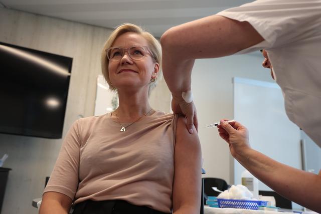 Helse- og omsorgsminister Ingvild Kjerkol tok vaksine mot influensa i forrige uke.