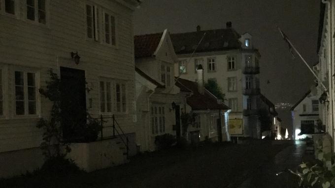 MØRKLAGT: Det er for øyeblikket helt mørkt i deler av Sandviken.