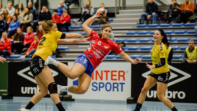 TOPPSCORER: Aurora Hatle ble Fanas toppscorer i kampen mot Byåsen. Her fra oppgjøret mot Sola.