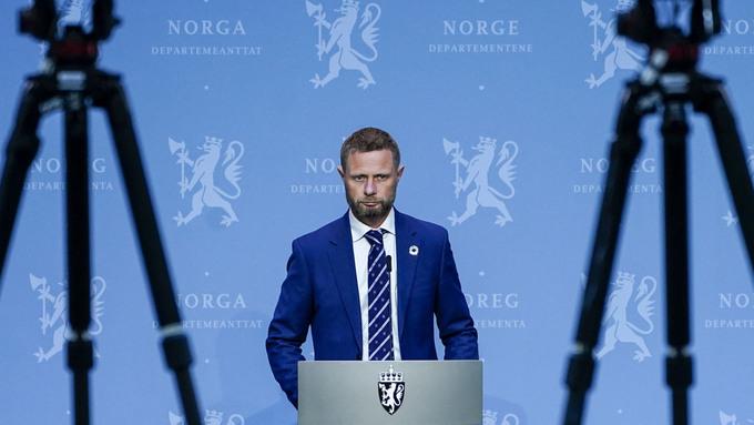 Helse- og omsorgsminister Bent Høie (H) under regjerings pressekonferanse om koronasituasjonen i Oslo.