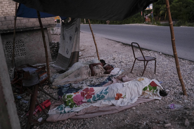 Flere tusen haitiere har mistet hjemmet sitt etter jordskjelvet i august, som hadde en styrke på 7,2. Foto: Matias Delacroix / AP / NTB
