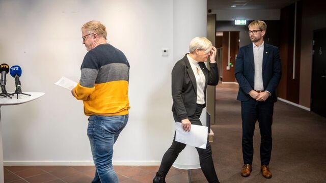 Helsebyråd Beate Husa og byrådsleder Roger Valhammer presenterte rekordhøye smittetall i Bergen fredag.