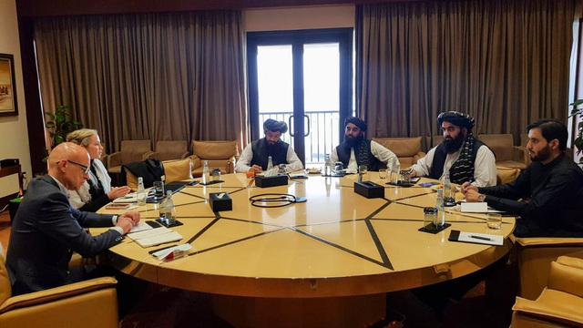 Et bilde publisert av Taliban på Twitter fra møtet mellom diplomater fra Norge og representanter for Taliban i Doha tidligere i uken. Taliban takket Norge for innsatsen for fred i landet, skriver Taliban-talsmann Abdul Qakhar Balkhi på Twitter. Foto: Taliban/Twitter / NTB