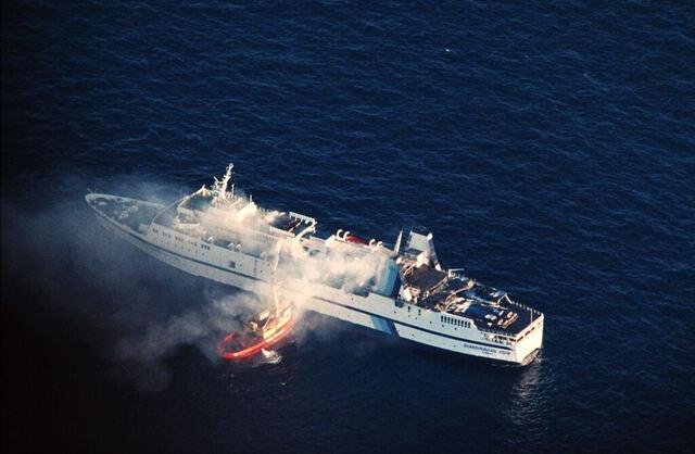 159 mennesker mistet livet i brannen på Scandinavian Star i april 1990. Arkivfoto: Per Løchen / NTB