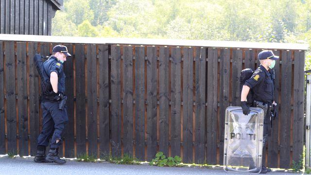 Den tiltalte mannen ble pågrepet i en væpnet aksjon på Søfteland i fjor sommer.