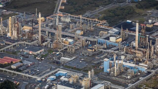 Ein arbeidar i anleggsleiren på Mongstad-raffineriet til Equinor har fått påvist korona.