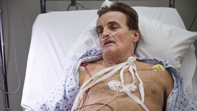 Reidar Osen på sykehus etter ranet i 2015.