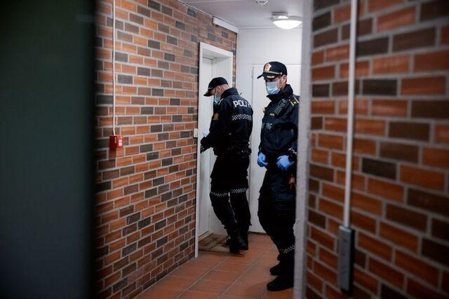 Her stanser politiet en fest i Sandviken i november i fjor. 14 personer fikk forelegg, to av dem tar det til retten.