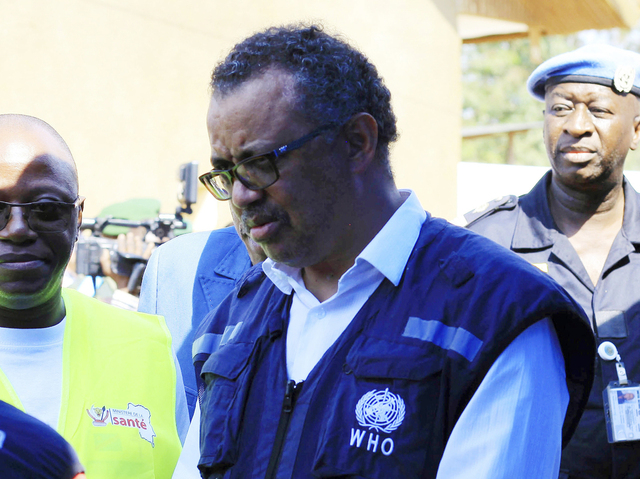 WHO-sjef Tedros Adhanom Ghebreyesus advarer mot å tro at koronapandemien er over.