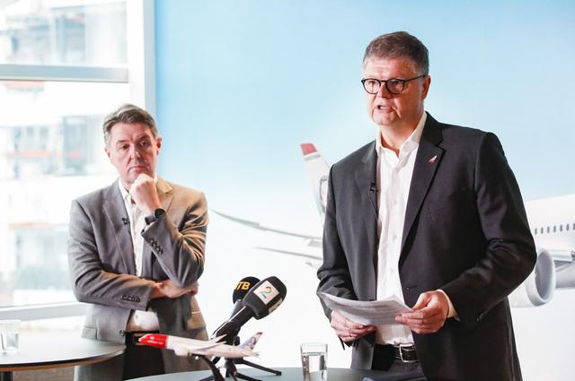 Geir Karlsen (t.v.) og Jacob Schram har fredag mottatt store bonusutbetalinger. Foto: Terje Bendiksby / NTB