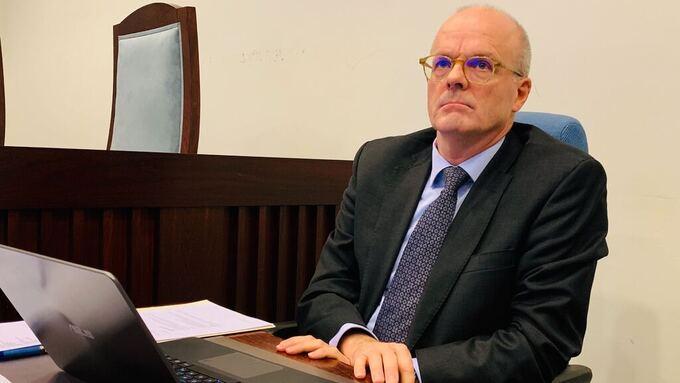 Forsvarer Ivar Abrahamsen sier klienten nekter straffskyld.