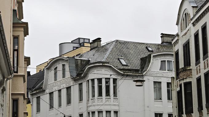 FOR HØYT: Politikerne mente heishuset på toppen av dette bygget måtte rives.
