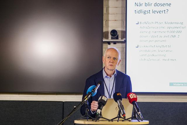 Smitteverndirektør Geir Bukholm i Folkehelseinstituttet opplyser at vaksineringen kan bli ytterligere utsatt enkelte steder. Foto: Jil Yngland / NTB