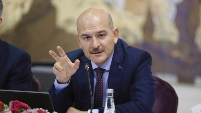 Tyrkias innenriksminister Suleyman Soylu. Her på en pressekonferanse 21. august i år.