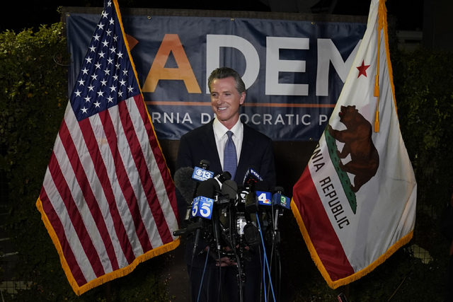California-guvernør Gavin Newsom ligger an til å overleve tilbakekallingsvalget i delstaten, viser opptellingen så langt.