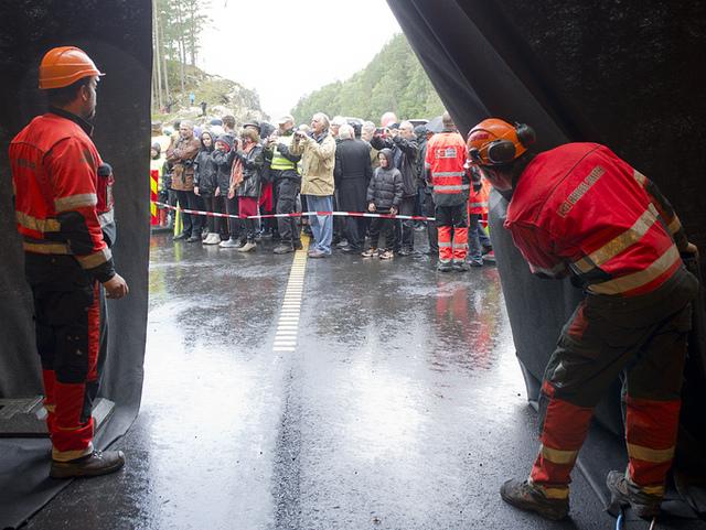 Her blir Jondalstunnelen åpnet i 2012.