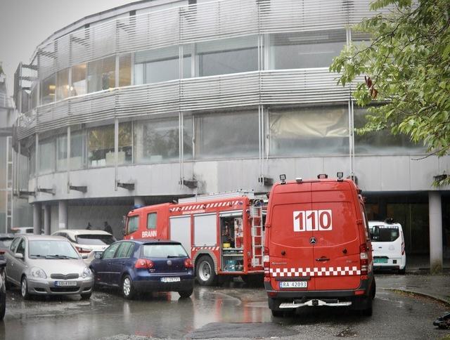 På det gamle NRK-huset måtte brannvesenet pumpe ut over 35.000 liter vann.