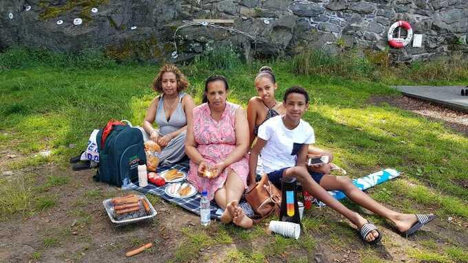 I PARKEN: Huda (f.v.), Tseza, Danayt og Lumel i Nordnesparken lørdag.