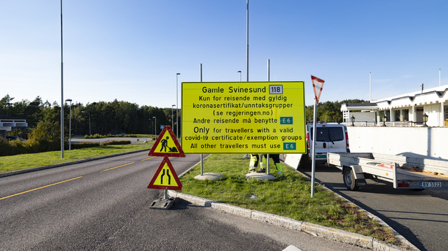 Tidligere måtte man ha gyldig koronasertifikat eller unntak for å reise over grensen ved Svinesund. Foto: Tor Erik Schrøder / NTB