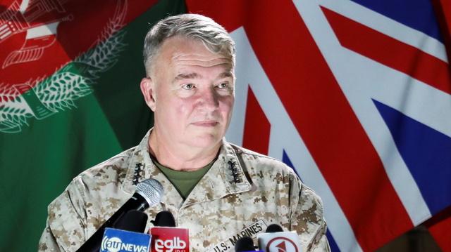 General Kenneth McKenzie sier USA skal fortsette å bombe Taliban-opprørere i Afghanistan.